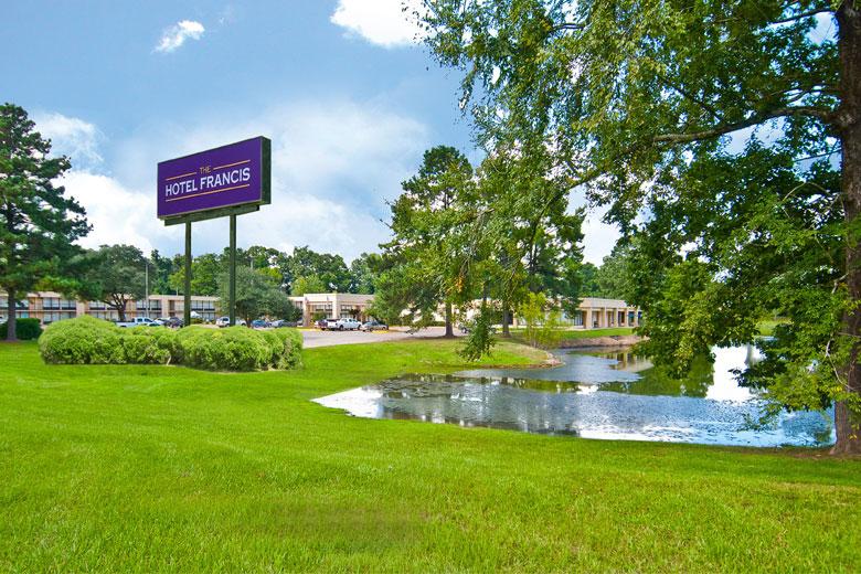 Louisiana_Hotel_Francis exterior